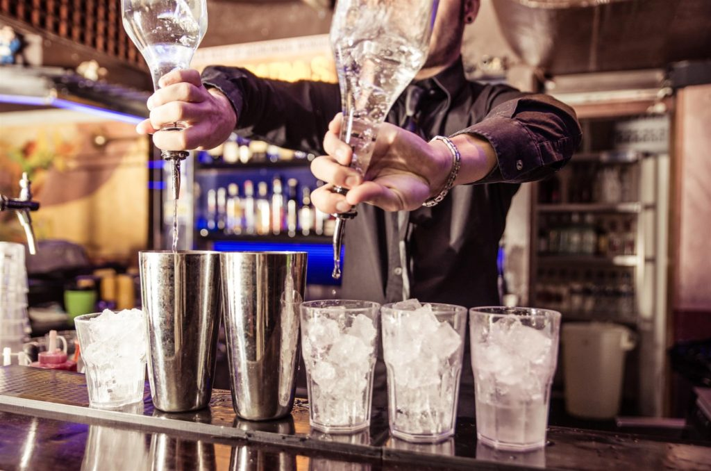 Benefits of Getting Bartending Certified in NYC