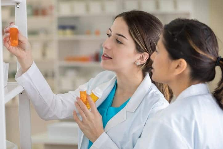 What Does a Pharmacy Technician Do?